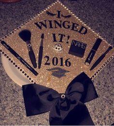 Great idea for a cosmo graduation cap! Cosmetology Graduation, Graduation Makeup, Graduation Diy, High School Graduation, Graduate School, Graduation Cap Images, Graduation Cap Designs, Graduation Cap Decoration, Grad Cap