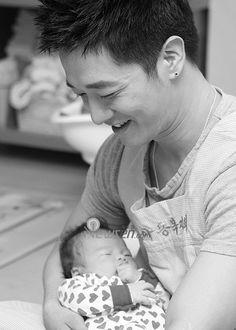 Asian daddy & his blasian baby