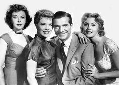 Ida Lupino, Sally Forrest, Dana Andrews, Rhonda Fleming in While the City Sleeps (1956).