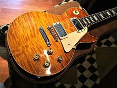 """Absolutely stunning 2016 Gibson Collectors Choice #24 """"Nicky""""Arguably the most popular Collectors Choice release to date, Charles Daughtry's """"Nicky"""" was originally introduced in 2015. It has gone on to set the benchmark in excellence in the Collectors Choice series. The 1959 Gibson Les Paul Standard is often referred to as the """"Holy Grail"""" of iconic guitars. And this guitar is one of the finest reissues found in the series. The guitar is dated 3/14/16 by t"""