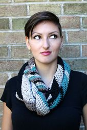 A modern and chic chevron printed scarf. Stitched up in a great long length for so many wearing options! It's a quick and fun project that's great for beginners who would like to make something colorful and practice with chevron shaping
