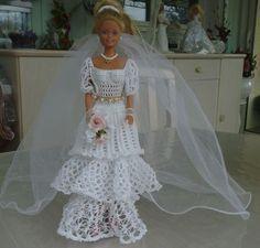 """Barbie , modèle """"lys"""" de face"""