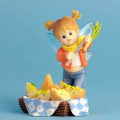 My Little Kitchen Fairies - Potato Skins Fairie Figurine, this adorable fairy is working hard to prepare a special snack.