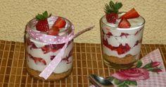 Vasitos de cheesecake de fresas