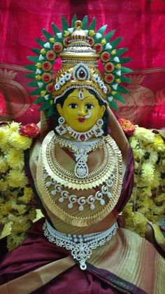 Varalakshmi Vratham 2019 honours the most popular Goddess Maha Lakshmi. Varalakshmi Puja or homam on this day means abundant wealth is sure to come your way. Indian Wedding Decorations, Decor Wedding, Flower Decorations, Wedding Colors, Wedding Dresses With Flowers, Dress Wedding, Gauri Decoration, Shiva Lord Wallpapers, Peacock Decor