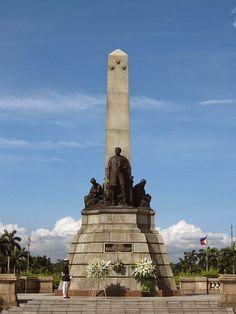 Rizal Monument in Luneta Park Philippines Culture, Manila Philippines, Philippines Travel, Rizal Park, Filipino Architecture, Travel Around The World, Around The Worlds, Exotic Beaches, Tropical Beaches