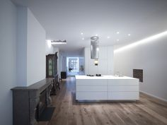 House Nieuwegracht / Rocha Tombal Architects