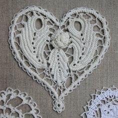 aadc9dacb776 Dentelle d irlande irish lace coeur en coton ivoire pour applique  incrustation suspension carte de