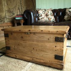 VICTORIAN PINE CHEST Storage Trunk COFFEE TABLE Vintage Blanket Box RUSTIC CHEST