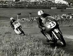 Motorbikeracing the good old days 50cc, Racing Motorcycles, Isle Of Man, Super Bikes, Road Racing, The Good Old Days, Football Helmets, Old Things, Hero