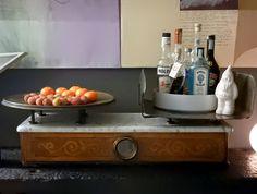 Details of Us: Una Bilancia antica come angolo Home Bar