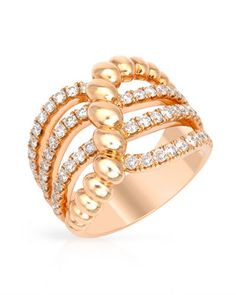 Beautiful ring with diamonds in rose gold.