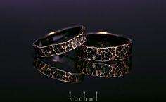 Обручальные кольца от Кочут. Желетое золото и черный родий.