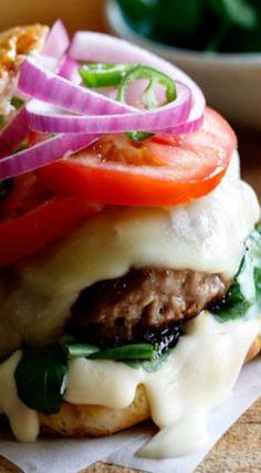 lamb and hummus burger Lamb Recipes, Burger Recipes, Greek Recipes, Cooking Recipes, Healthy Recipes, Tacos, Paninis, Burger World, Quesadillas