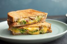 Bacon Guacamole Grilled Cheese A buttery and toasty grilled cheese sandwich stuffed with cool and creamy guacamole, crispy bacon and melted jack and cheddar cheese. The crunchy crumbled tortilla chips in this grilled cheese pay tribute to the classic combination of tortilla chips and guacamole dip. #Bacon #GuacamoleGrilled #Cheese #Sandwich