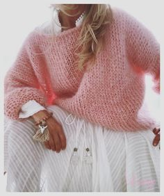 White women sweater Mohair sweater Hand Knit women cardigan Angora Wool cardigan Arm Knitting women jaket Oversize Mohair - Stuff to buy White Knit Sweater, Mohair Sweater, Wool Cardigan, Pullover Sweaters, Women's Sweaters, Cardigans For Women, Pulls, Hand Knitting, Knitwear