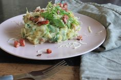 Met stamppot kun je heerlijke variëren en ook met witlof met ham en kaas! Maak ook eens het stamppot recept voor Witlofstamppot met ham, kaas en rucola.