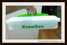 Biddle Bits: How to personalize a cupcake carrier with vinyl