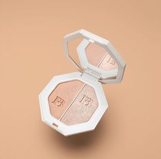 Lightning Dust & Fire Crystal Killawatt Freestyle Highlighter By Fenty Beauty• Pinterest @rinnimarie •