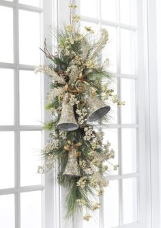 Decorated Swags & Wreaths: WINTER'S LACE