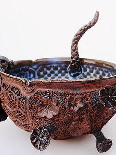 Je crée pour vous des bols en grès, contenants d'exception, intemporels, brut et précieux. Bowls, Picnic, Creations, Pottery, How To Make, Serving Bowls, Ceramica, Pottery Marks, Picnics