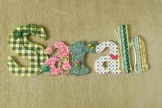 Nome em MDF, decorado com tecido 100% algodão e com o tema escolhido. Pode ser utilizado para decorar quarto, porta de maternidade e festa infantil. Faço nas cores e tamanhos desejados.