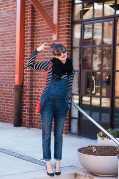 Now, that's how overalls should be worn!