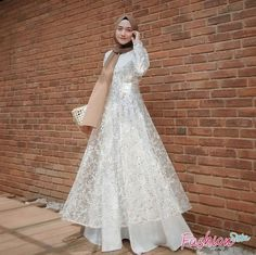 Hijab Prom Dress, Dress Brukat, Muslimah Wedding Dress, The Dress, Dress Outfits, Fashion Dresses, Prom Dresses, Wedding Dresses, Kebaya Muslim