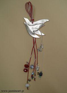 Christmas Mood, Christmas Crafts, Christmas Decorations, Xmas, Dyi Crafts, Cute Crafts, Crafts To Make, Ceramic Birds, Lucky Charm