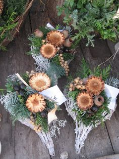 Funeral Flower Arrangements, Christmas Arrangements, Floral Arrangements, Grave Flowers, Funeral Flowers, Deco Nature, Nature Decor, Rustic Christmas, Christmas Wreaths