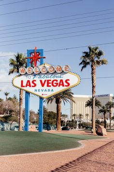 Las Vegas Travel Guide, Las Vegas Trip, Las Vegas Nevada, Travel Vegas, Las Vegas California, Las Vegas Sign, Vintage California, California Travel, Solo Travel