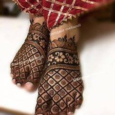 Beautiful and Easy Mehndi Design Collection, Heena and Arabic Mehndi Design - Fashion Mehndi Designs Feet, Legs Mehndi Design, Mehndi Designs 2018, Modern Mehndi Designs, Mehndi Design Pictures, Mehndi Designs For Beginners, Mehndi Designs For Fingers, Dulhan Mehndi Designs, Henna Tattoo Designs
