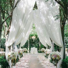 #BRIDALFIX Happily ever after. #bridalfix #bridalmonth #happilyeverafter #aisle #romantic #wedding #weddingplanning #bride #bridal #floral #finejewelry #estenza