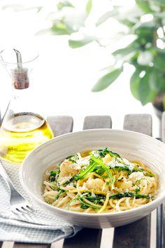 Pasta met bloemkool, rucola en citroenzeste https://hyper.carrefour.eu/nl/recept/pasta-met-bloemkool-rucola-en-citroenzeste?utm_campaign=trv-w02-trf-ongoing&utm_medium=social&utm_source=pinterest-nl&utm_content=board%20pasta&utm_term=image