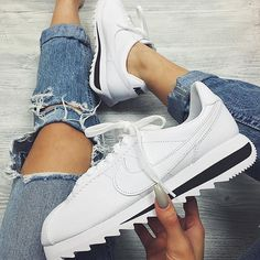 d91d296f14a1 Tendance Sneakers 2018   Sneakers femme – Nike Cortez Classic white More
