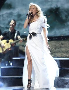 Carrie Underwood: 'Blown Away' on American Idol!: Photo Carrie Underwood returns to her roots as she hits the American Idol stage on Thursday (May in Hollywood. The former Idol winner performed the title… Carrie Underwood, Hamilton, Bridal Closet, American Idol, Up Girl, My Idol, Beautiful People, Beautiful Celebrities, Pretty People