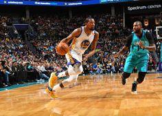 Blog Esportivo do Suíço:  Warriors têm trabalho, mas batem os Hornets em noite de Durant e Curry