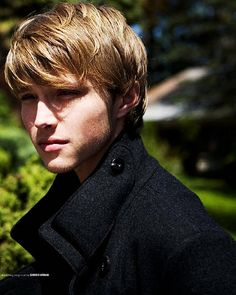 Listen to music from Sterling Knight like Hero, StarStruck & more. Find the latest tracks, albums, and images from Sterling Knight. Kids Cuts, Boy Cuts, Cool Boys Haircuts, Haircuts For Men, Chad Dylan Cooper, Sterling Knight, Boy Hairstyles, Brad Pitt, Hair Makeup
