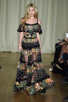 Trends: 1970s, Marchesa // Spring fashion 2015: 186 photos of the top 10 trends of the season http://www.fashionmagazine.com/fashion/trends-fashion/2014/10/09/top-spring-2015-trends/