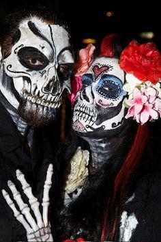 Día de Muertos Makeup.. this might be fun for zombie pub crawl