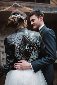 The Ultimate Guide to Wedding Themes: Inspirational Planning Ideas - Natalie Cooke - Damen Hochzeitskleid and Schuhe! Boho Wedding, Dream Wedding, Wedding Day, Luxury Wedding, Wedding Groom, Rustic Wedding, Victory Roll Hair, Painted Leather Jacket, Leather Jacket Dress