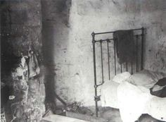 Inside of tenement room on Mercer Street, Dublin 1913.