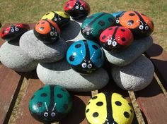 nice Recycle Reuse Renew Mother Earth Projects: How to make Lady bug Stones Rock Crafts, Diy And Crafts, Crafts For Kids, Arts And Crafts, Projects For Kids, Craft Projects, Ladybug Rocks, Bee Rocks, Garden Crafts
