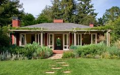 Slate Roof Woodside Guest House, Cathy Schwabe Architecture, Gardenista