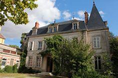 Maison bourgeoise avec parc, dans village viticole Prestige, I Have A Dream, France, Architecture, House Styles, Home Decor, Character Home, Mansions, The Mansion