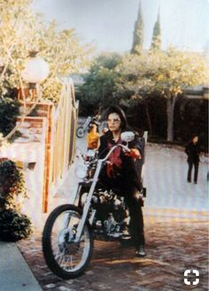 Elvis at his California home