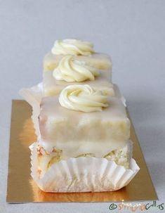 Amandine albe de cofetarie My Recipes, Cake Recipes, Romanian Food, Pastry Cake, Cupcake Cookies, Diy Food, Vanilla Cake, Delicious Desserts, Sweet Tooth