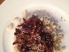 Slow Cooker Mongolian Beef over brown rice. | Knead to Cook