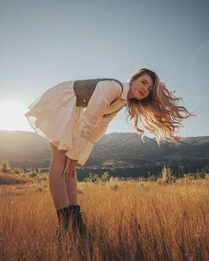 Artistic Photography, Photography Women, Creative Photography, Editorial Photography, Amazing Photography, Portrait Photography, Picture Poses, Photo Poses, Debut Photoshoot