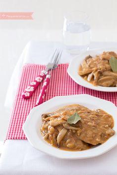 Fricandó de ternera, receta catalana , %%excerpt%% Receta de fricandó de ternera. El fricandó es un estofado de ternera con setas, típico de la gastronomía catalana. Prepara la receta del fricandó. Food And Drink, Cooking Recipes, Favorite Recipes, Chicken, Meat, Gastronomia, Spanish Recipes, World, Beef Tenderloin